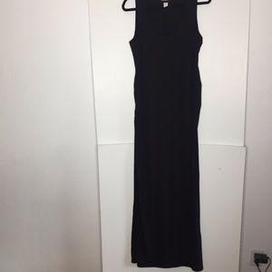 Old Navy Maternity black side slit maxi dress Lg.